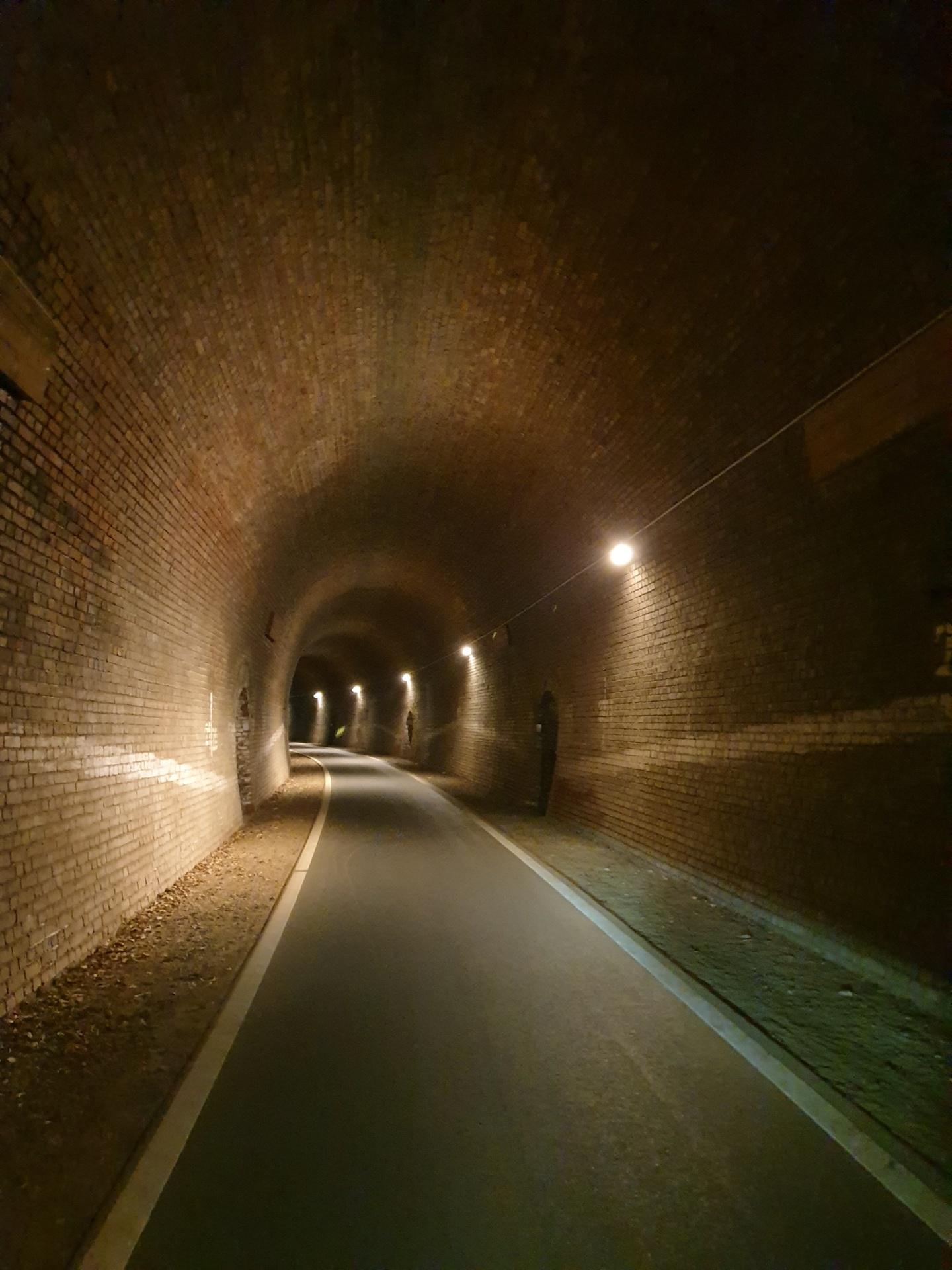 Dodenauer Tunnel, 325 m