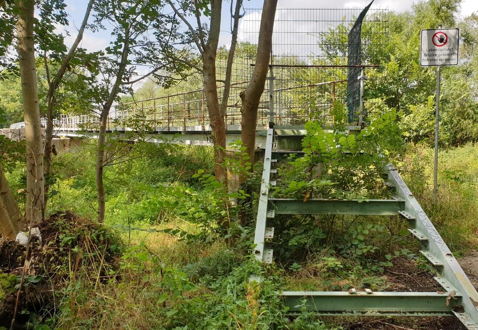Muldebrücke, unpassierbar