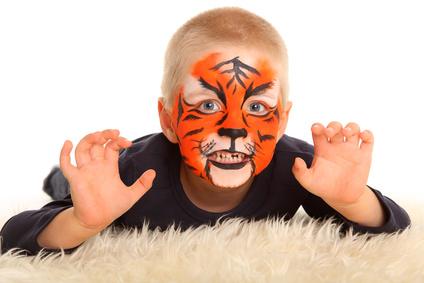 Kinderschminken in Waiblingen, Glitzer Tattoos in Waiblingen, Tattos, Ballontiere in Waiblingen, Ballonmodellage in Waiblingen, Luftballontiere in Waiblingen, Kinderunterhaltung in Waiblingen, schminken in Waiblingen,  Firmenevent in Waiblingen buchen