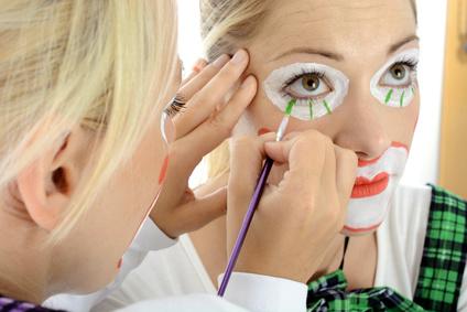 Kinderschminken Stuttgart, Glitzer Tattos aber auch Kinderbetreuung und Luftballontiere sind der Renner auf jedem Event jetzt kostenfrei anfragen und buchen und Ihr Event wird ein Erfolg