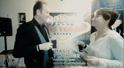 virtuelle Zaubershow, interaktive Zaubershows - für Firmenevent - livestream Zauberer für Firmenevents, Live online zauberei & Mentalmagie als Highlight für Ihr Firmenevent. Zauberei – Magie im Livestream mit Teams, Zoom & Co. - digitale Zaubershow!