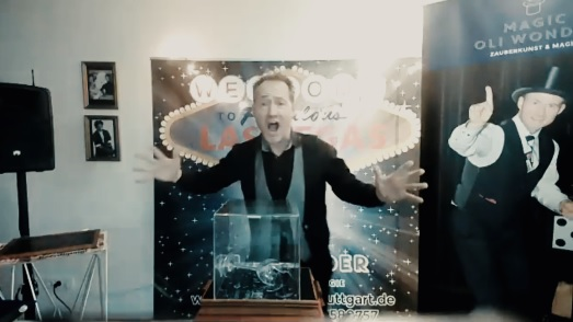 online Zaubershow, Live Zauberer - für Firmenevent - liverstream Zauberer für Firmenevents, Live online zauberei & Mentalmagie als Highlight für Ihr Firmenevent. Zaubershow online – Magie im Livestream mit Zoom & Co. - online Zaubershow Weihnachtsfeier!
