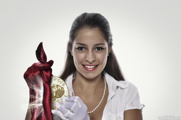 Beste Unterhaltung bei Betriebsfesten mit dem Zauberer für Weihnachtsfeier, Sommerfeste, Jahresfeier, Firmenevent, Firmenfeier, Betriebsfeier Stuttgart mit Weltklasse Showacts in Stuttgart die Sie in eine unfassbare emmotionale Stimmung versetzen.