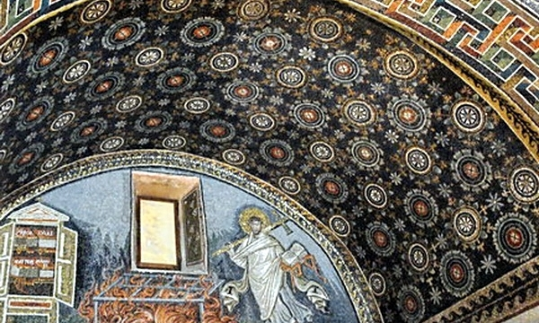 Мозаичный орнамент  императорской усыпальницы в Равенне.
