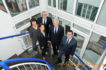 Gruppenfoto Die Kanzlei Leonberg im Studio