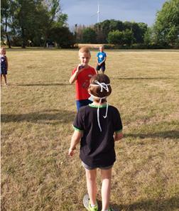 Förderung der auditiven Wahrnehmung im Sportunterricht- dem Geräusch folgen um das Ziel zu erreichen
