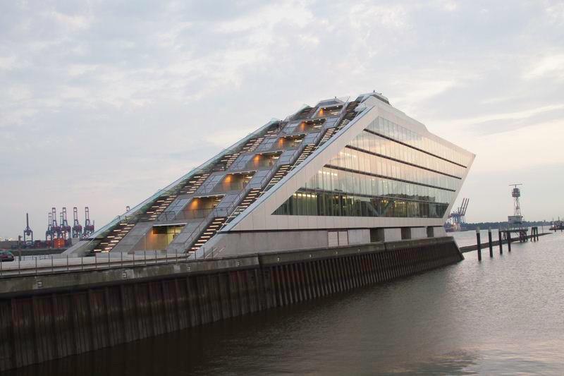 Hamburg | Bürohaus Dockland | Arch. Bothe Richter Teherani | 2011 | © Gerald Langer