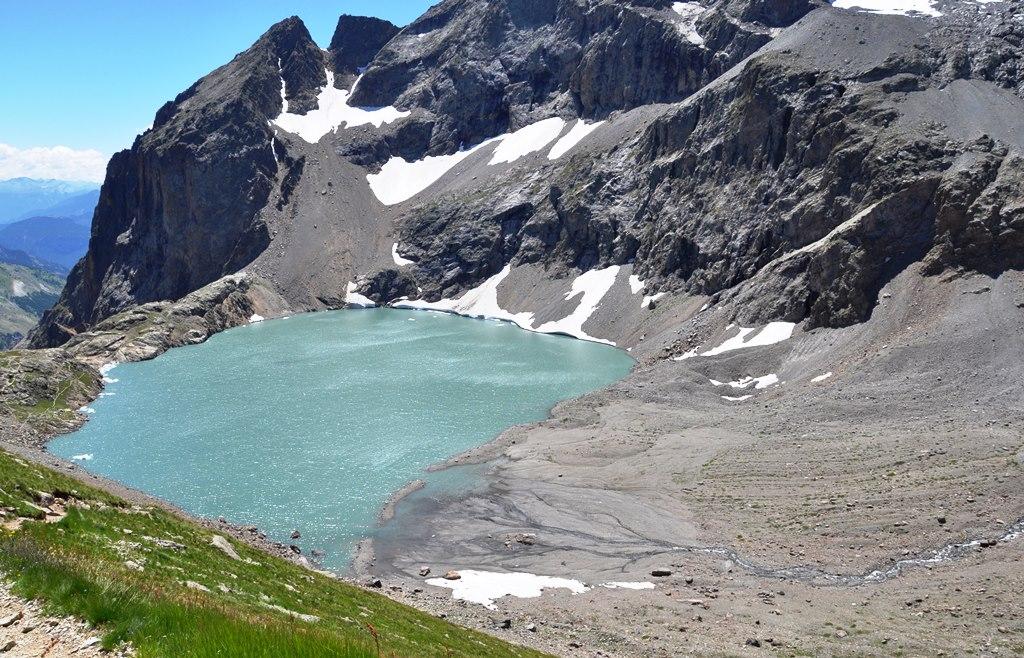 Lac de l'Eychauda( 2516m) Lac de surcreusement glaciaire.