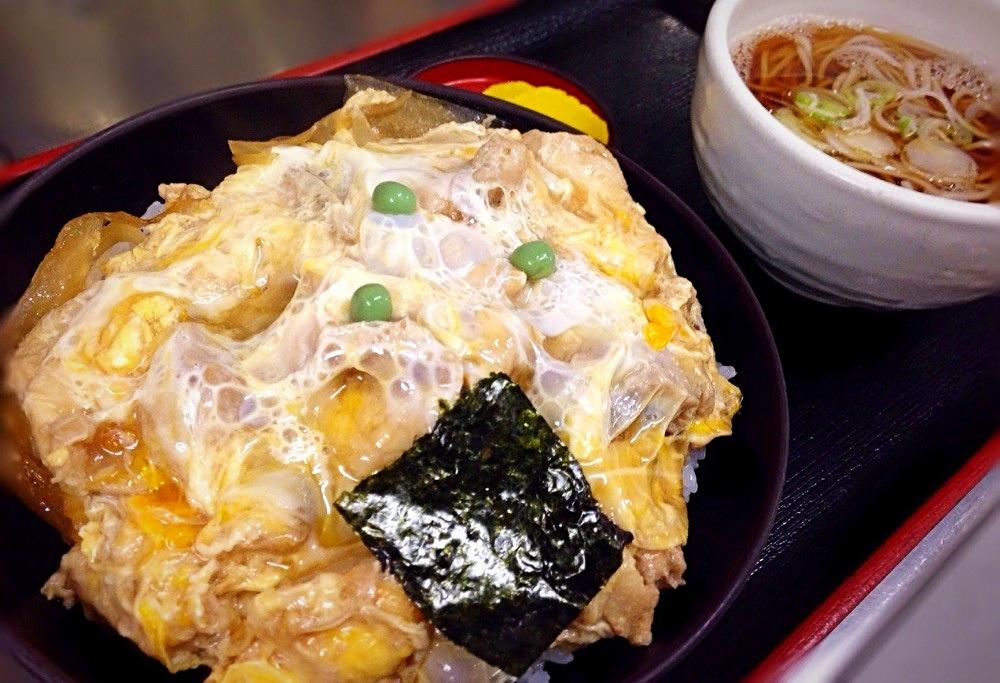 親子丼 830円