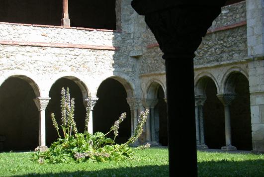 Cloître roman à Saint-Lizier