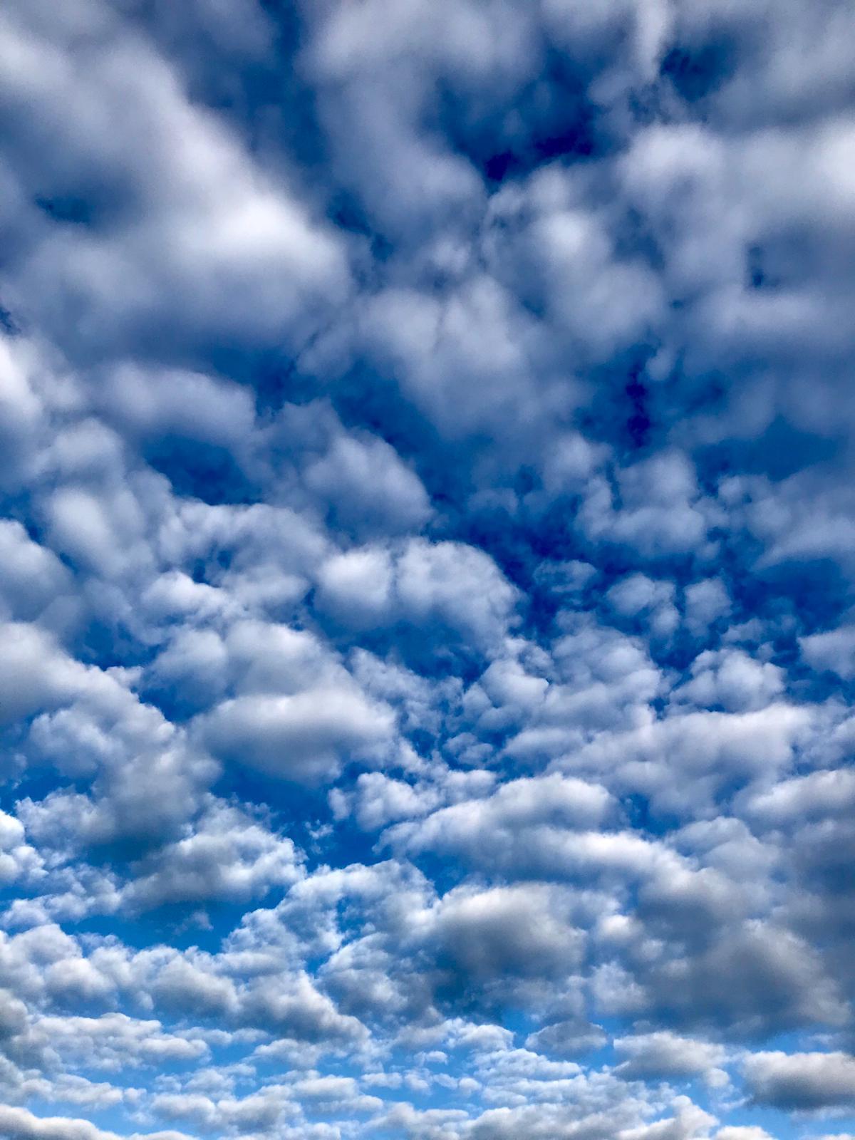 Hinter den Wolken ist der Himmel immer blau!