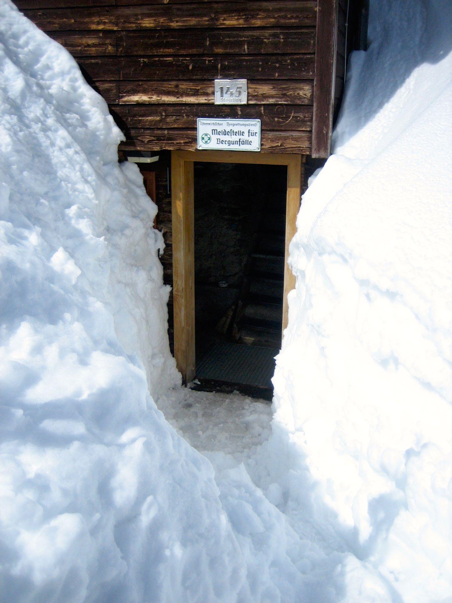 Eingang Hütte