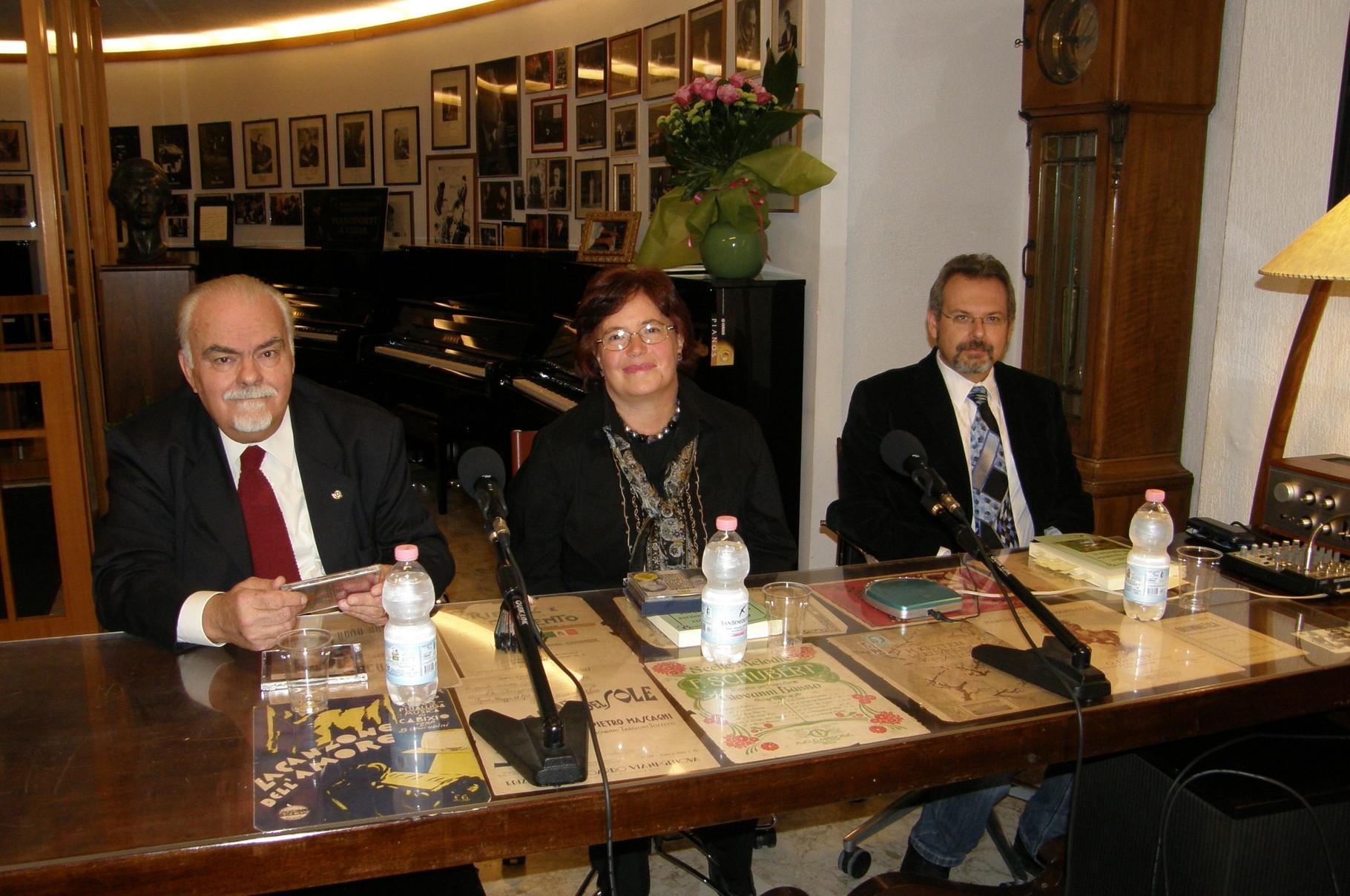 Con N.Sbisà e G.Ciliberti. Bari, Casa Giannini