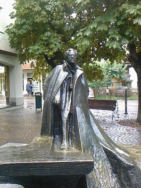 Dobbiaco, statua di G.Mahler