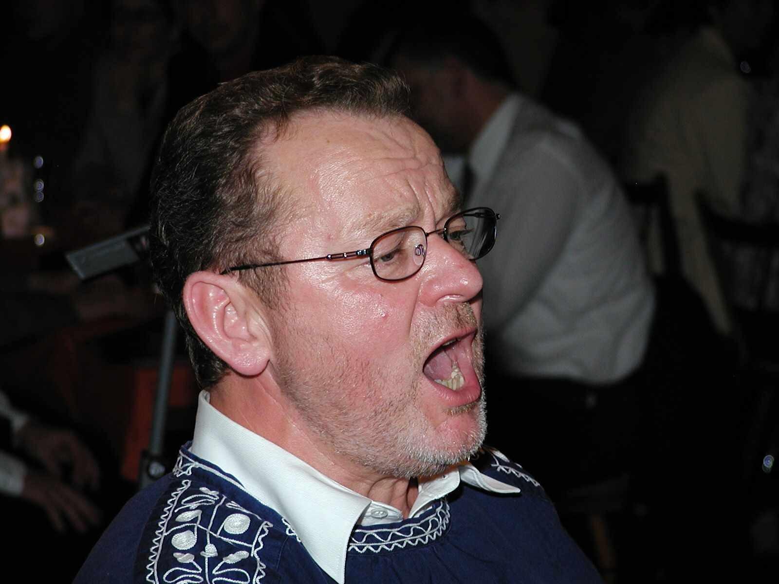 Kurt Rapp: Gesang ist sein Leben, und manches Gedicht weiß er gekonnt vorzutragen.