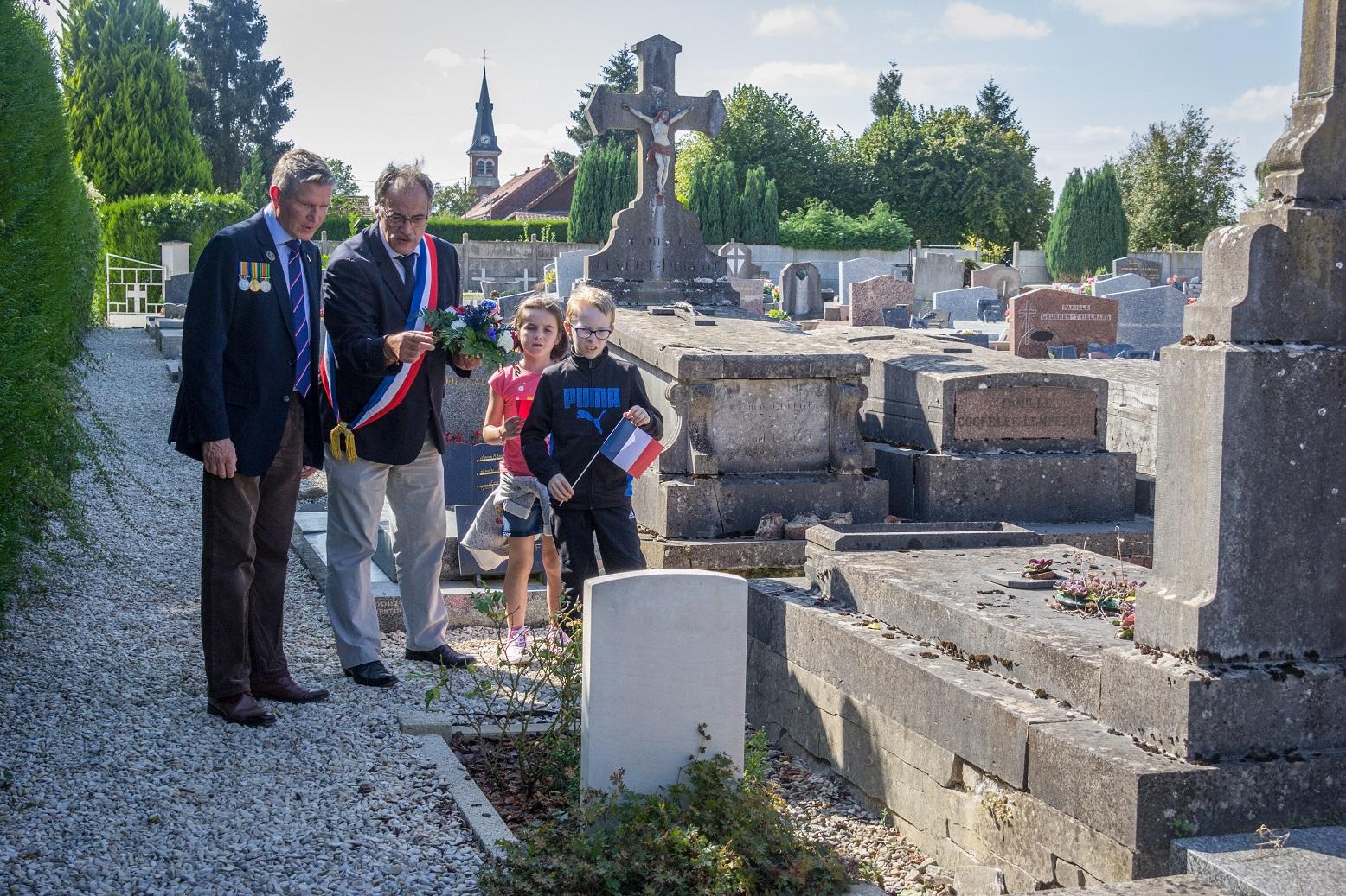 Un britannique est aussi enterré dans le cimetière civil