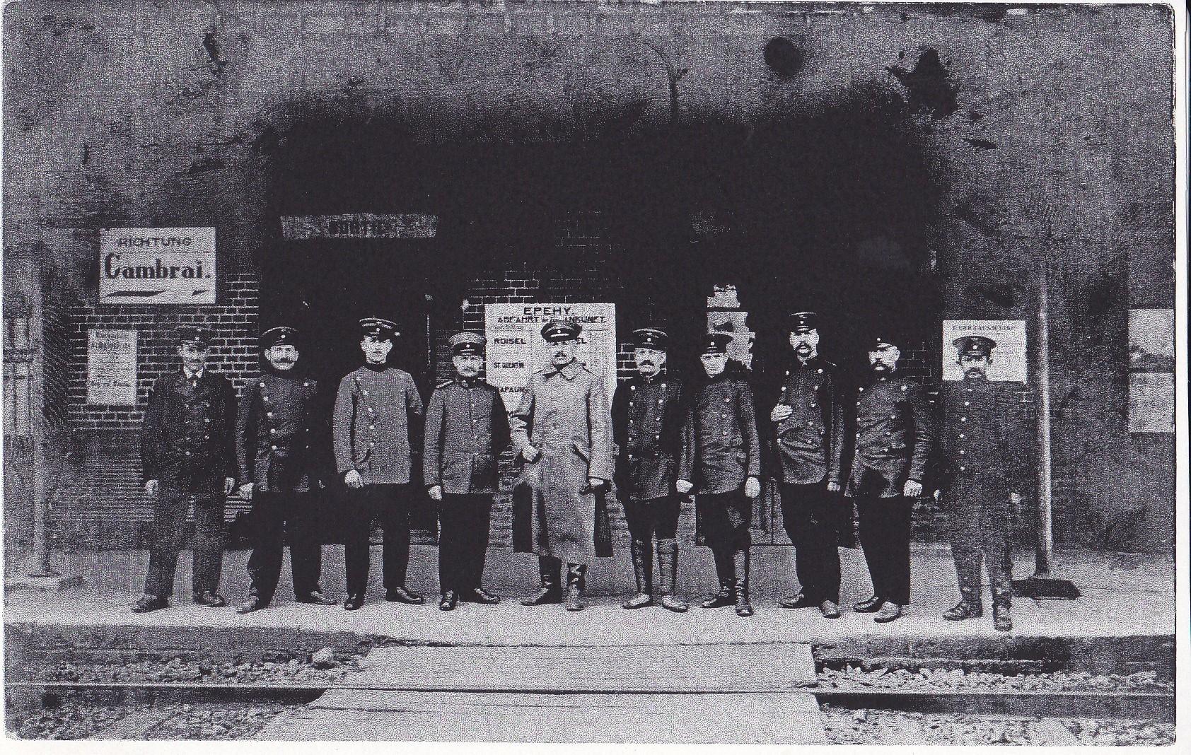 le personnel allemand de la gare d'Epehy. On comprend l'importance de cette gare à cette époque !