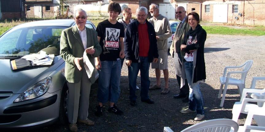 Ils étaient prêts à recevoir l'équipe britanique avec le journaliste du Courrier Picard dans le fond.