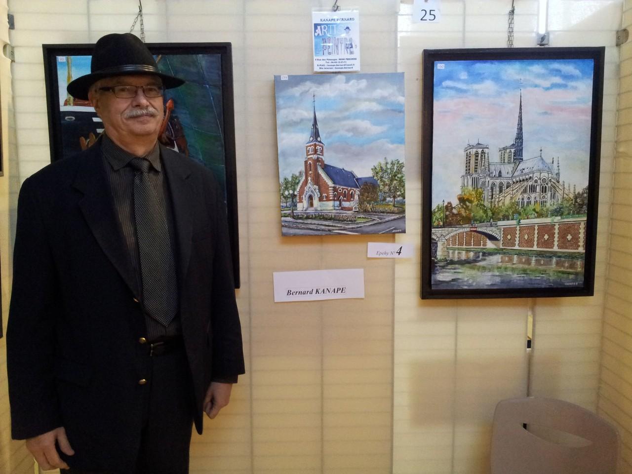 Monsieur Kanape devant la belle église d'Epehy qu'il a réalisée