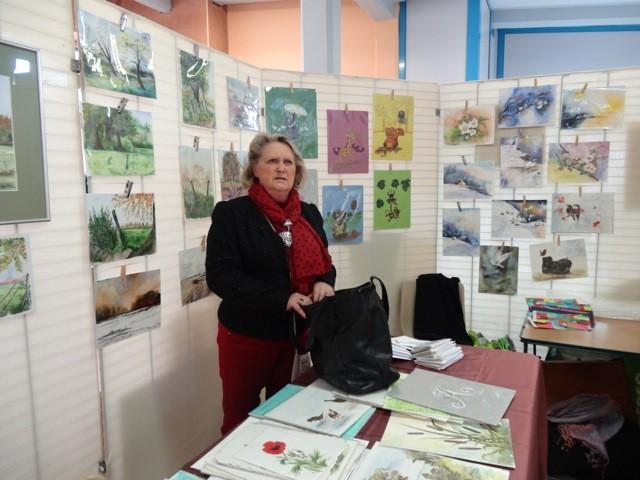 Dominique a pu s'installer près de l'exposition de ses élèves.