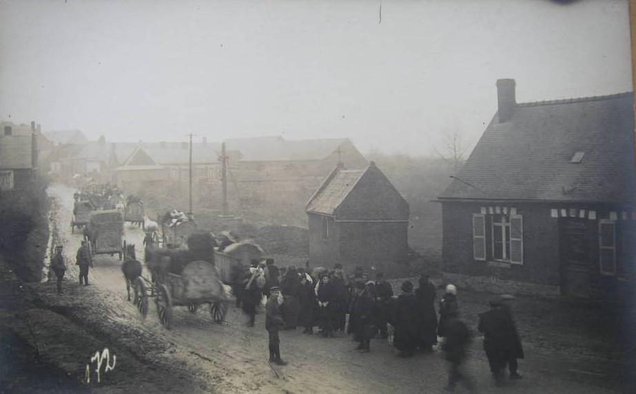La population doit évacuer en 1917. le village va être détruit.