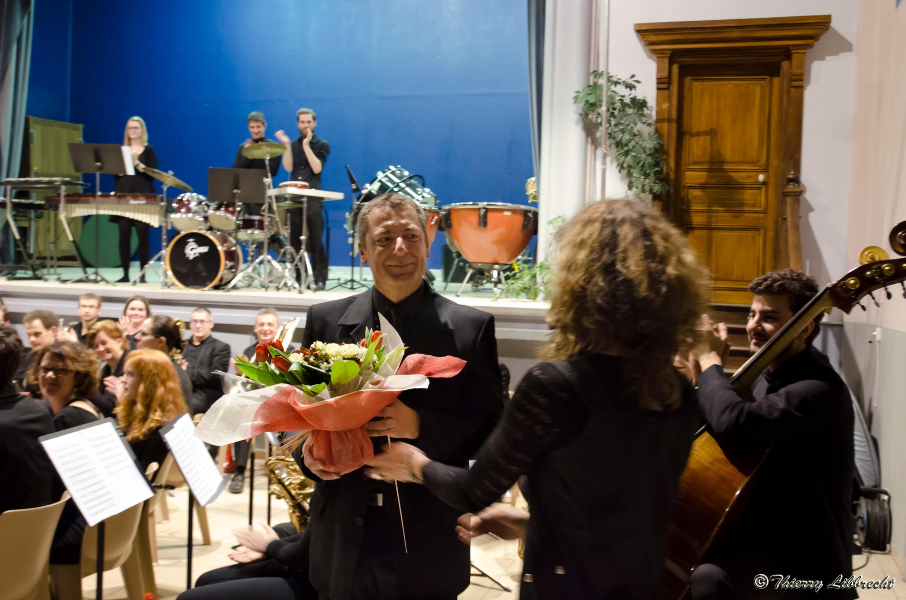 Gilles Czwartkowski, qui a arrangé l'oeuvre pour l'harmonie, est aussi remercié.