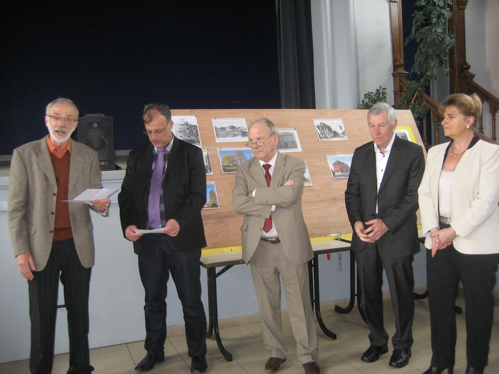 Monsieur Delaire, Monsieur le Maire et les officiels