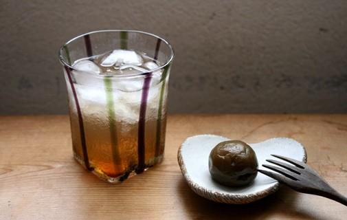 梅の甘露煮 / 雲形小皿