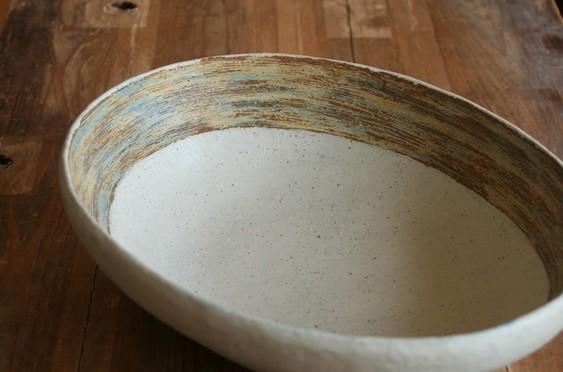 縁掻き落としゆったり楕円大鉢