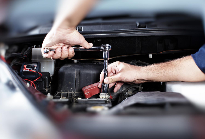 Reparaturen und Instandhaltung von PKW und Motorrad