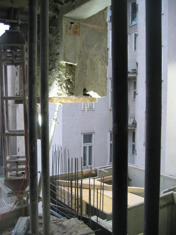 Abbruch Gebäudeecke Hof III