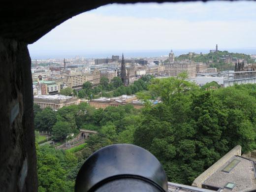 Blick vom Edinburgher Castel auf die wunderschöne City