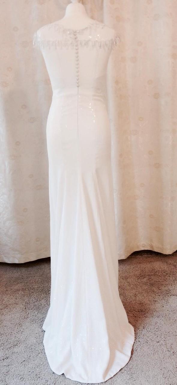 Brautkleid aus mit Pailletten besticktem Seiden-Crépe-Georgette
