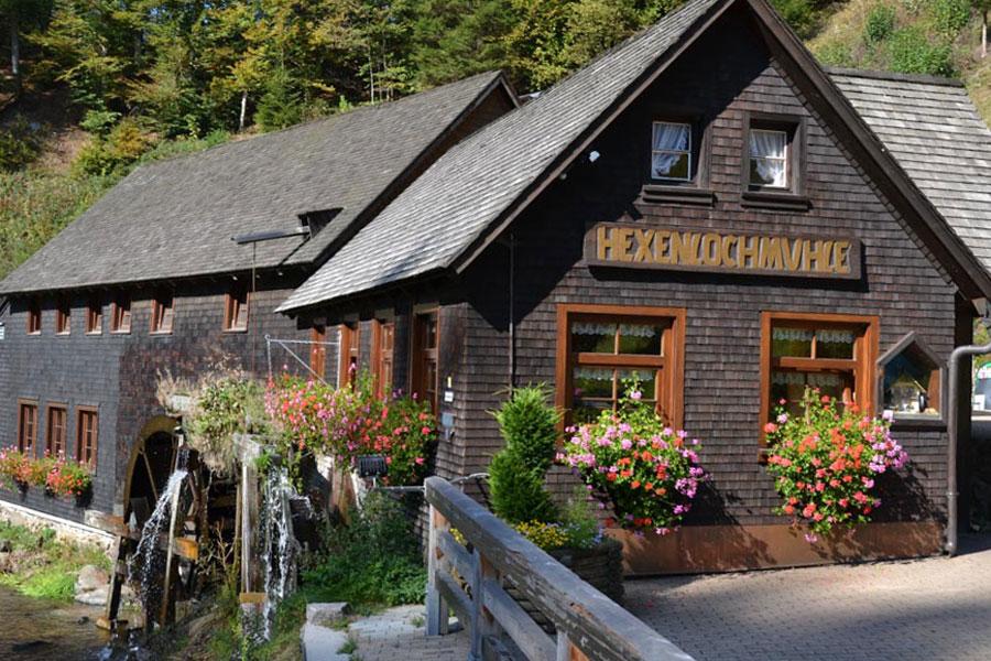 Ausflugsziel Hexenlochmühle im Schwarzwald