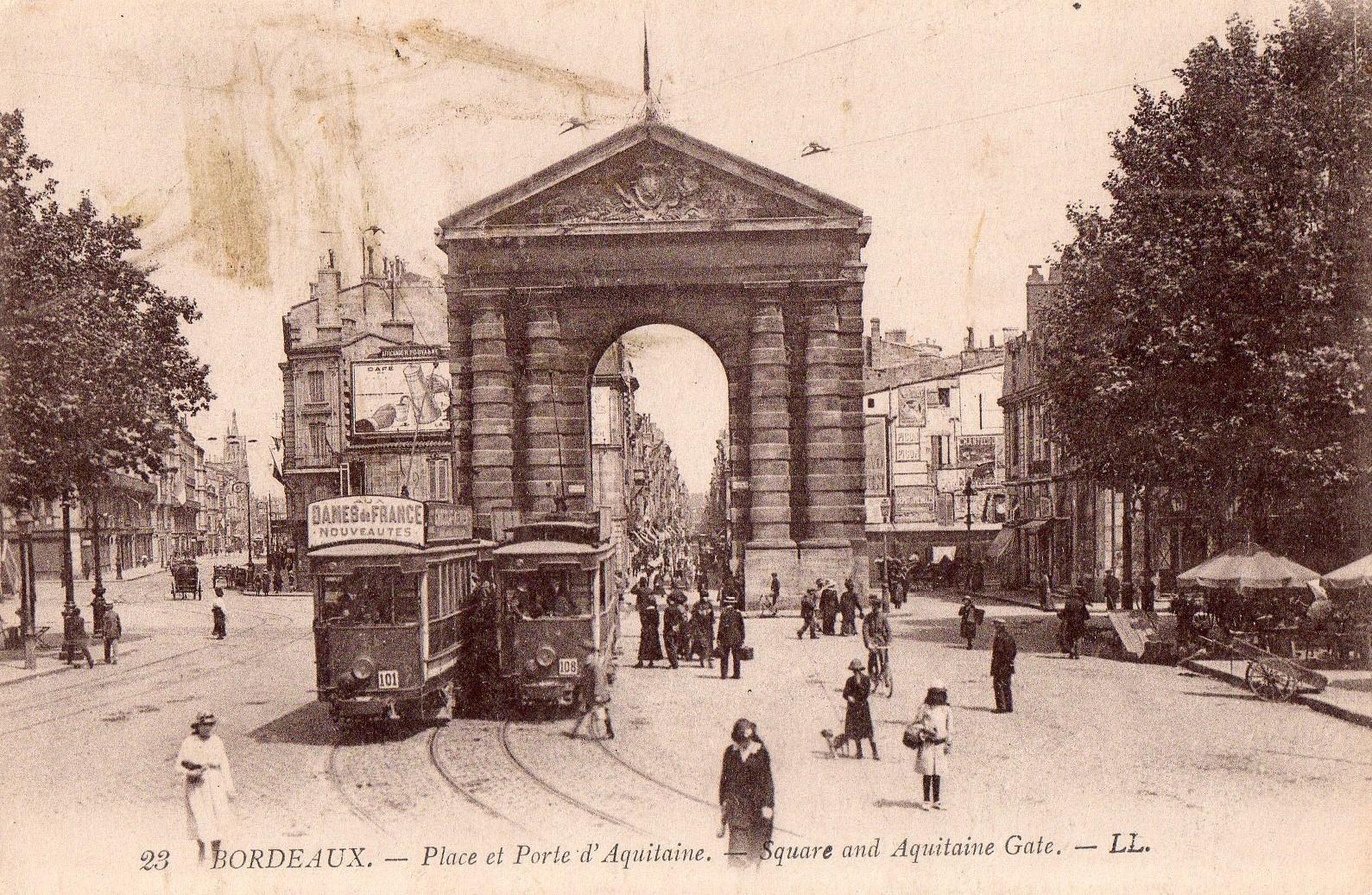 Porte d'Aquitaine - place de la Victoire