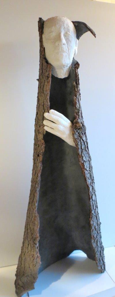 """""""Teiresias"""", Installation aus Baumrinde, Draht und Gips, H 122 cm, B 47 cm, T 33 cm, 2014"""