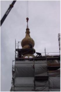 Einbau des hölzernen Turmes