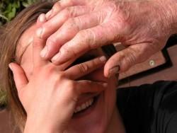 Deine Hand befreit zur klaren Sicht