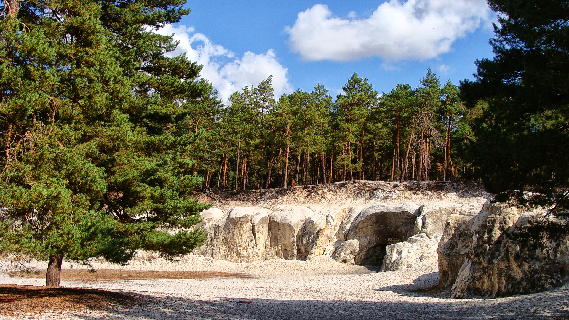 Sandhöhlen im Heers