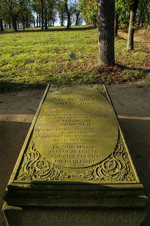Grab von Nikolaus Ludwig Graf von Zinsendorf, Begründer und Bischof der Herrnhuter Brüdergemeinde
