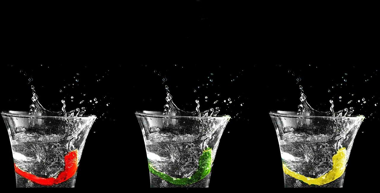 Paintomat/Utensilien: Wasserglas (optional, zur individuellen Dosierung des Wassers)