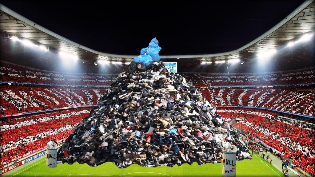 Messie wechselt zum FC Bayern München  (Im Stadion ist schon kein Platz mehr!)  by Don15