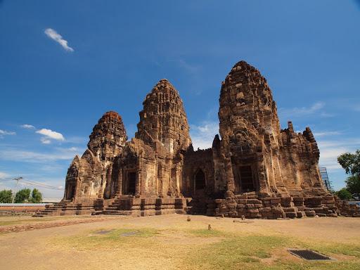 The Monkey Temple, Wat Phra Prang Sam Yod at Lopburi