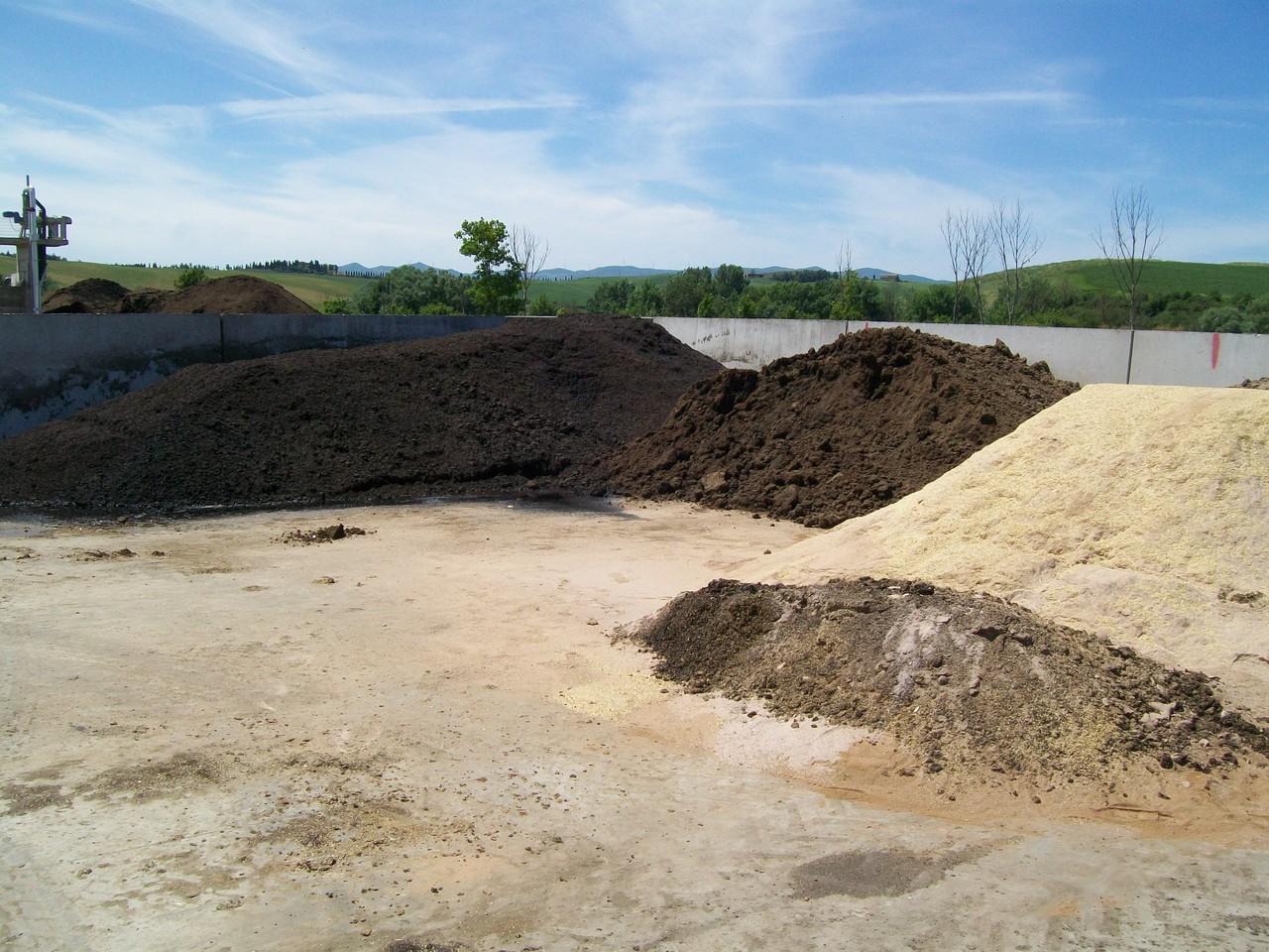 Platea di stoccaggio temporaneo delle biomasse solide