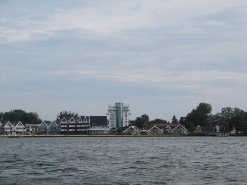 Ferienpark Müritz vom Wasser aus