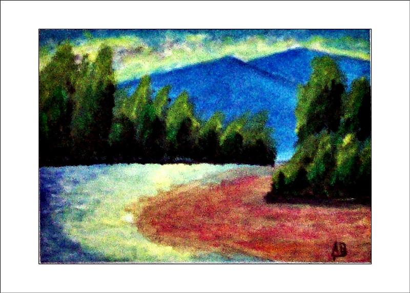 Gebirgslandschaft, blaue Berge,wald im Hintergrund, Fluß, Bäume rechts