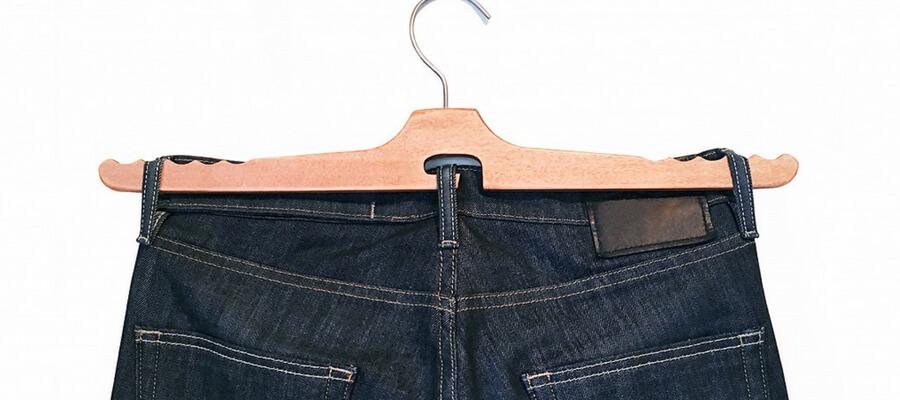 ジーンズ用ハンガー「The Jean Hanger」で大切なパンツも安心