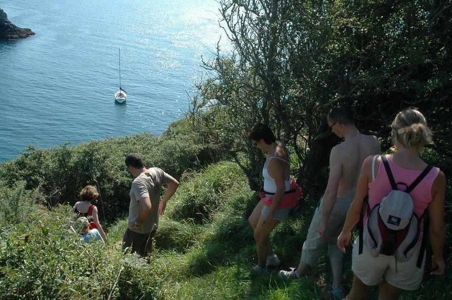 Gite Belle Ile - Trek sur un sentier côtier