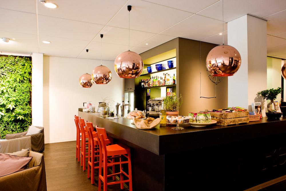 Die Bar im Conscious Hotel am Vondelpark in Amsterdam