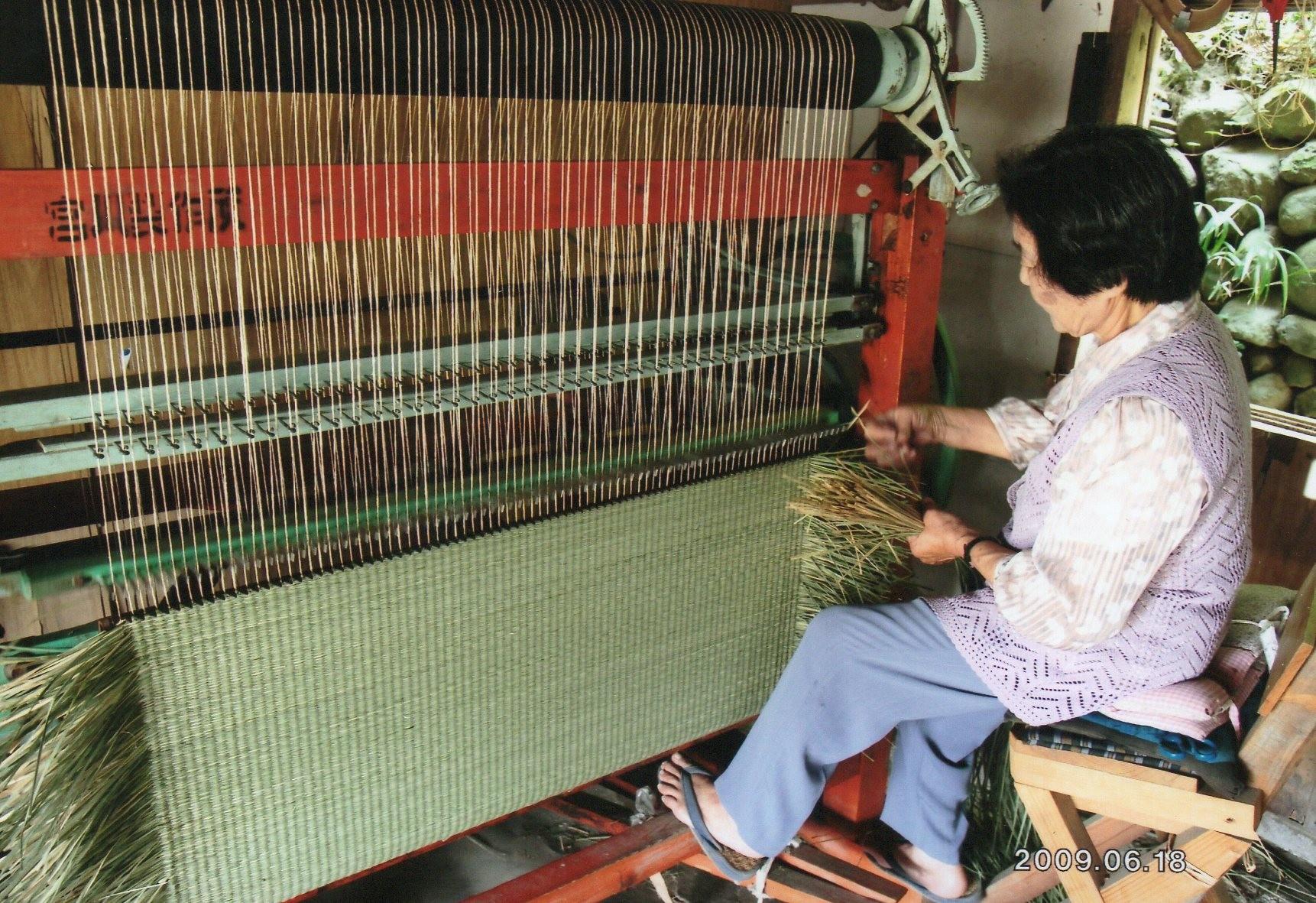 手織り作業